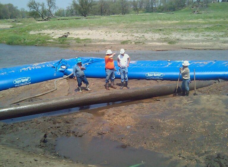 Using the Aqua Barrier for Pipeline Construction and Inspections